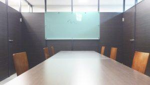 透明ホワイトボード(ガラス色・裏白)のアイキャッチ画像