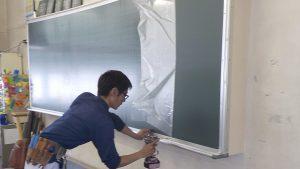 学校用大型黒板・曲面・施工中505